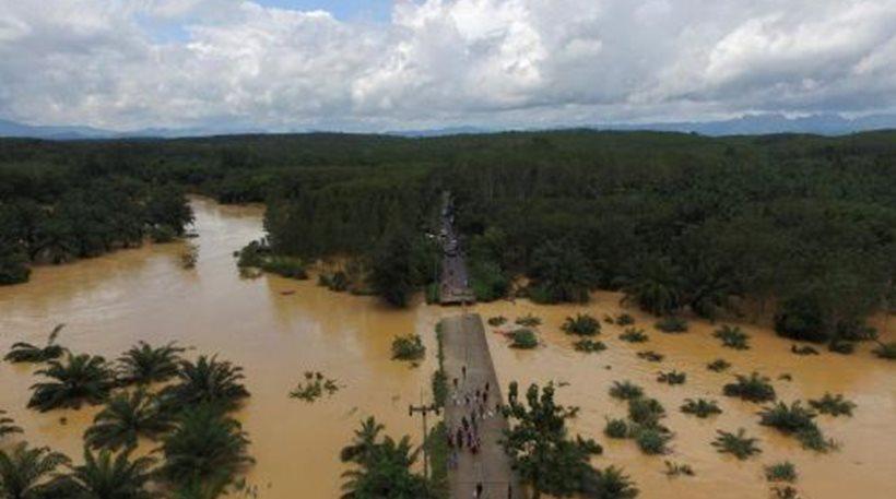 Χάος στην Ταϊλάνδη: Οι πλημμύρες προκάλεσαν μποτιλιάρισμα 200 χιλιομέτρων!