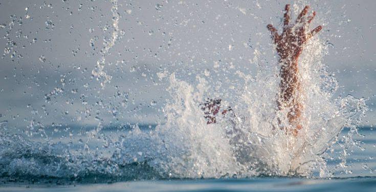Τουρίστρια αποπειράθηκε να αυτοκτονήσει στην παραλία της Αγίας Μαρίνας!
