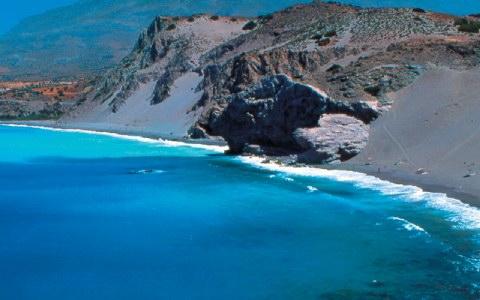 «Απαγορευτικό» σε δεκάδες τουριστικά νησιά βγάζει το υπουργείο Περιβάλλοντος-Μέσα και η Κρήτη