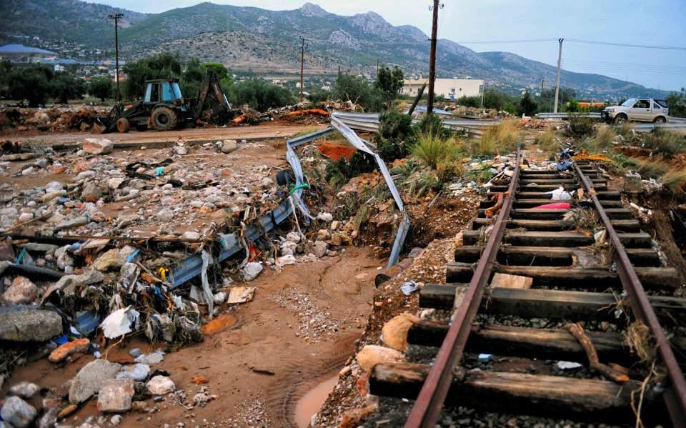 Δήμαρχος Μάνδρας: Είμαστε σαν τη Δαμασκό - Τσίπρας και Δούρου δεν μπήκαν καν στην πόλη