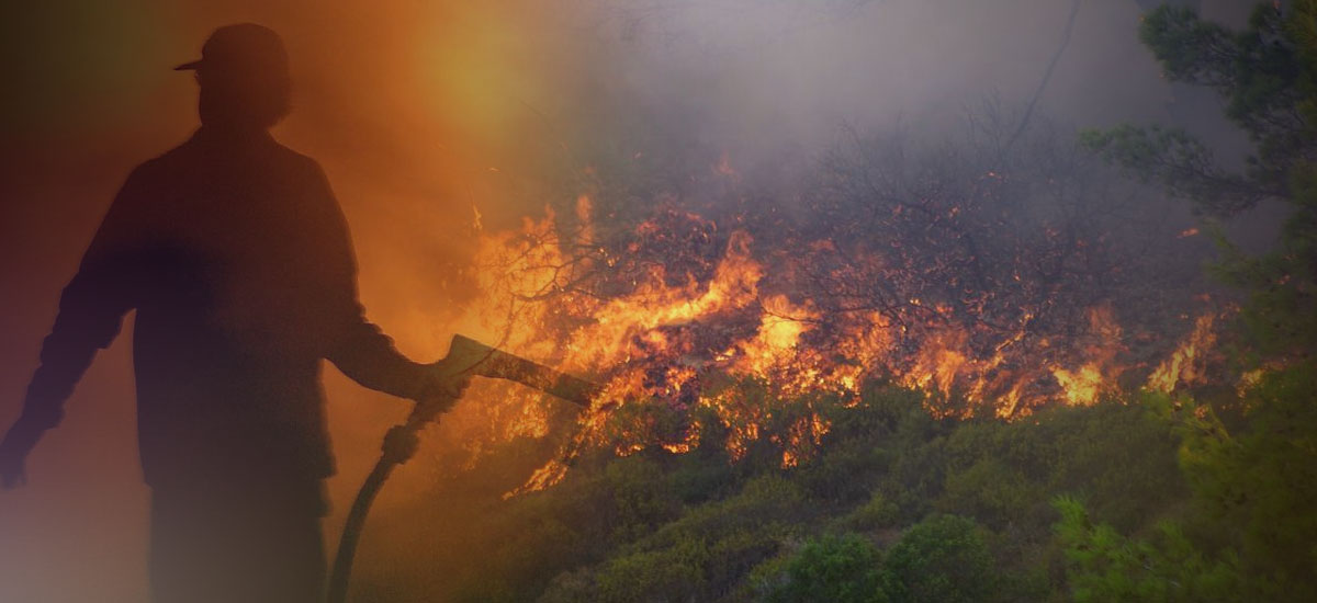 Έκαψαν ξερά κλαδιά στην ύπαιθρο και … έβαλαν φωτιά