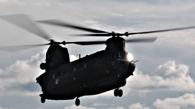 Τούρκοι επιχείρησαν να παρενοχλήσουν το ελικόπτερο που μετέφερε τον αρχηγό ΓΕΣ πάνω από το Αιγαίο