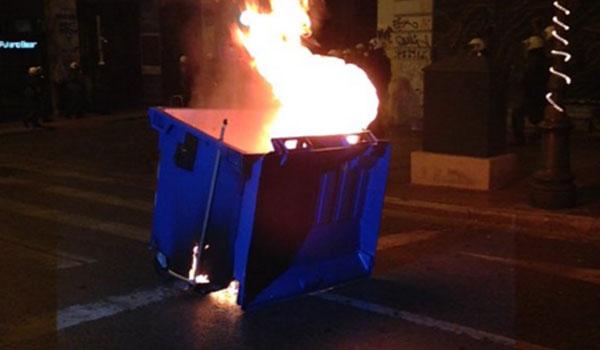 Φωτιά σε κάδους ανακύκλωσης στο Γάζι