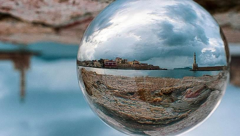 ProjectSphere: Ο Κρητικός που φωτογραφίζει το νησί... ανάποδα