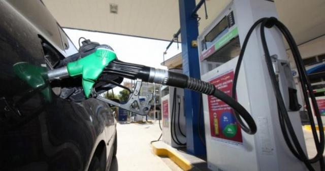 Νέα μείωση στις πωλήσεις καυσίμων - Οι ελπίδες στον τουρισμό
