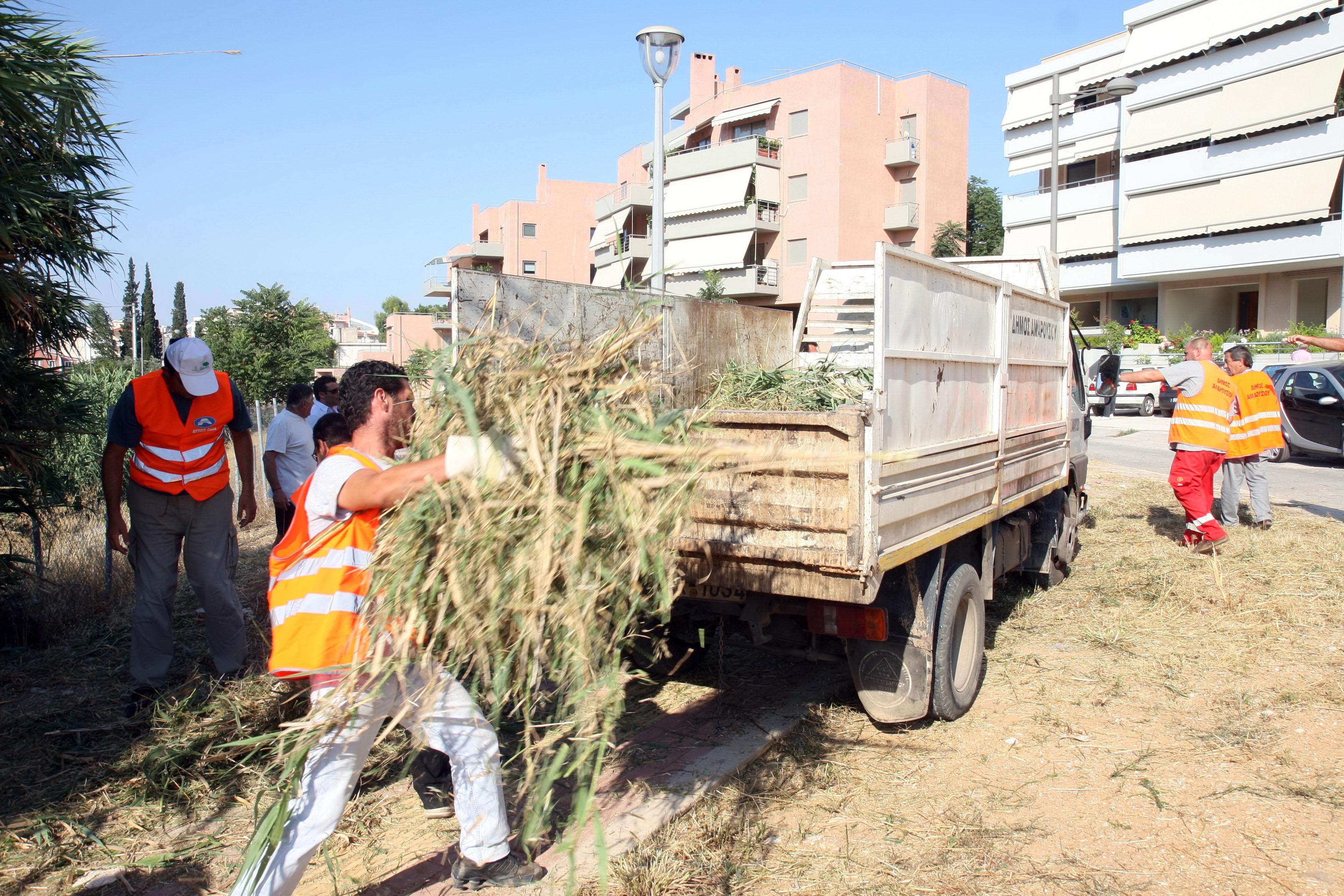 «Πλήρη και σταθερή εργασία για τους εργαζόμενους στα προγράμματα κοινωφελούς εργασίας στους Δήμους»