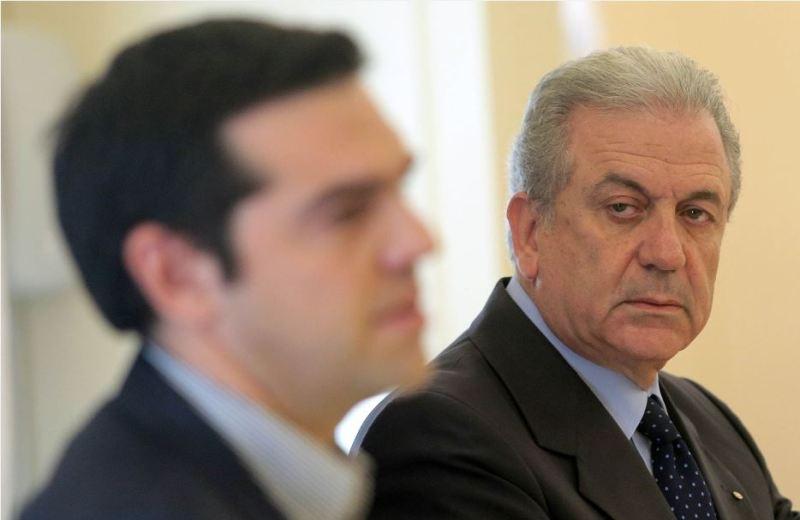 Στον Αβραμόπουλο φαίνεται πως καταλήγει ο Τσίπρας για την προεδρία της Δημοκρατίας