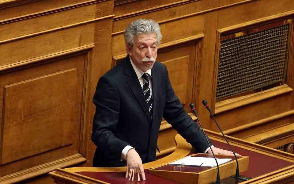 Ο Κοντονής έκανε δεκτή «στα κρυφά» τροπολογία για αναδρομική απαλλαγή του φόρου υπεραξίας