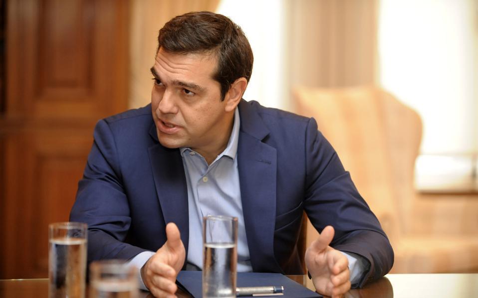Τσίπρας στη WSJ: Οι τιμωρητικές πολιτικές πρέπει να τελειώνουν