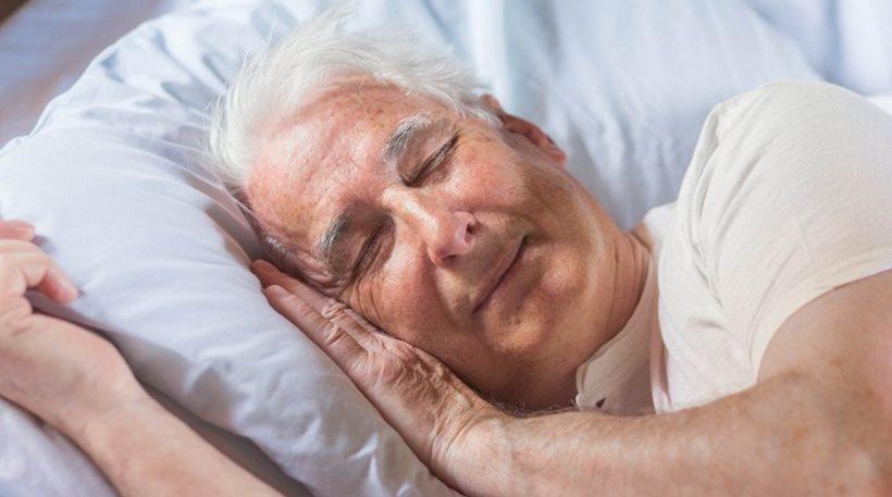 Ευεργετικός ο μεσημεριανός ύπνος μιας ώρας για τον εγκέφαλο των ηλικιωμένων
