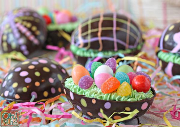 Λαμπάδες και σοκολατένια αυγά στα παιδιά που νοσηλεύονται στο Παγνή-φώτο