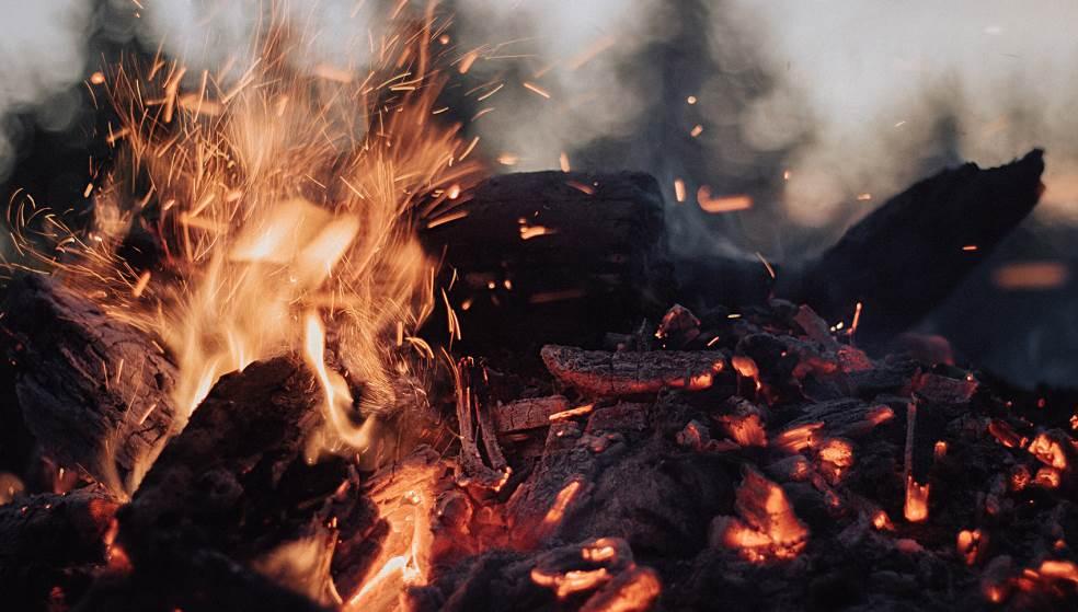 Φωτιά σε παρασκευαστήριο τροφίμων