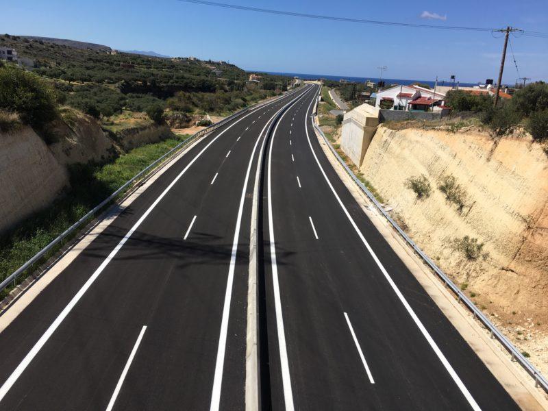 Kρήτη: Τα καλώδια στο οδικό δίκτυο και οι λόγοι που τοποθετήθηκαν (φωτο)
