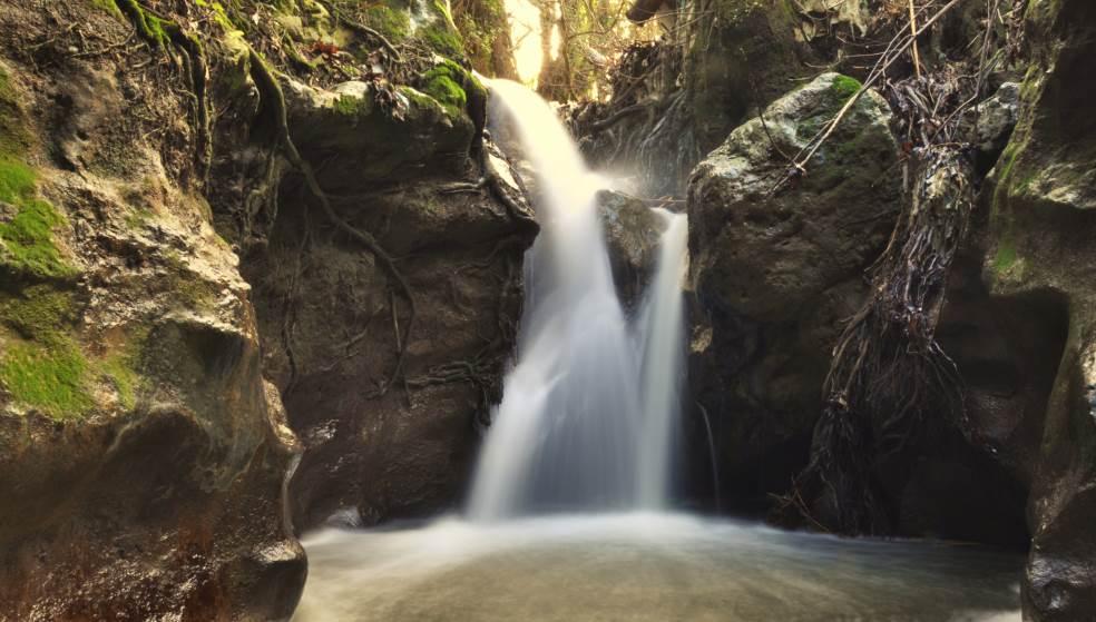 Κνωσανό Φαράγγι: Η πηγή που σε οδηγεί απευθείας στον… παράδεισο