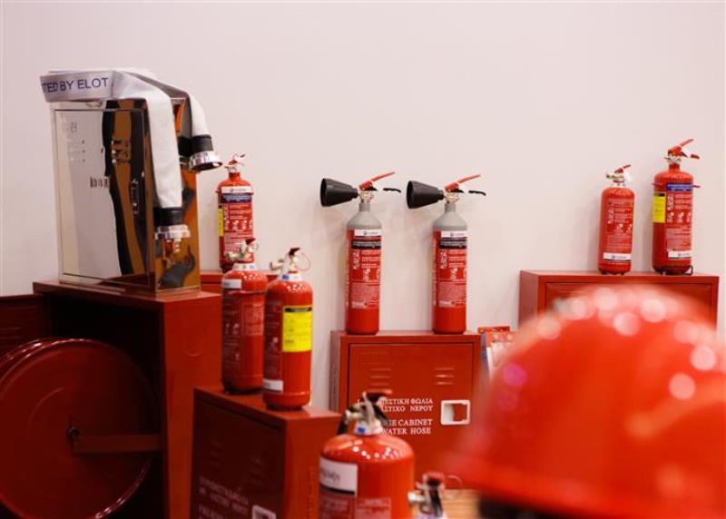 Η πυρασφάλεια σώζει ζωές και περιουσίες- Ηρακλειώτες γλίτωσαν  χάρη σε έναν…πυροσβεστήρα! (pics+vids)
