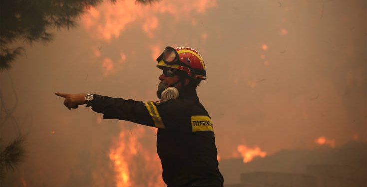 Οι ισχυροί νοτιάδες έφεραν … δασική πυρκαγιά