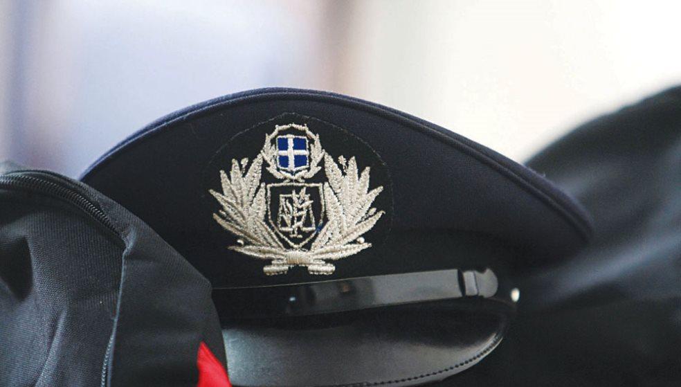 Ντυνόταν αστυνομικός και στρατιωτικός και εξαπατούσε Κρητικούς