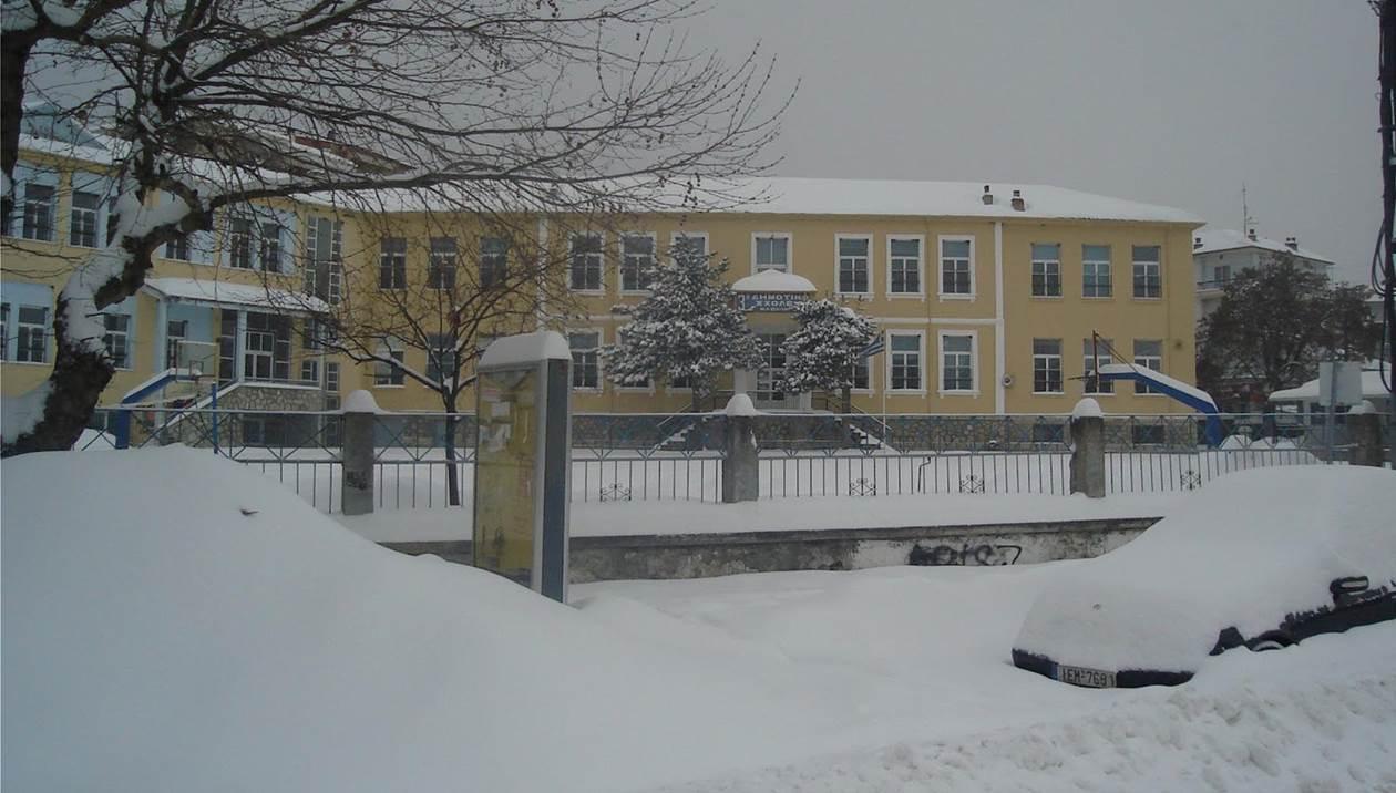 Ο χιονιάς κλείνει σχολεία στην Κρήτη - Ποια δεν θα ανοίξουν σήμερα
