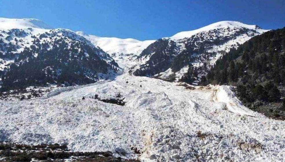 Χιονοστιβάδες στα βουνά της Κρήτης έφερε ο φετινός χειμώνας