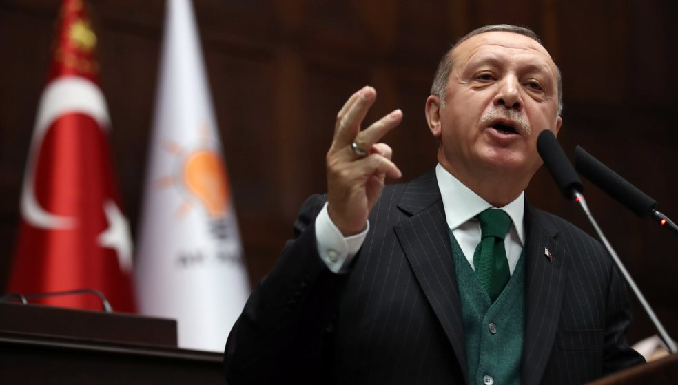 Ερντογάν: Δώστε μας τους «8» και βλέπουμε για τους 2 Έλληνες στρατιωτικούς