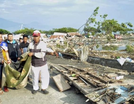 Στους 384 οι νεκροί από τον σεισμό και το τσουνάμι στην Ινδονησία