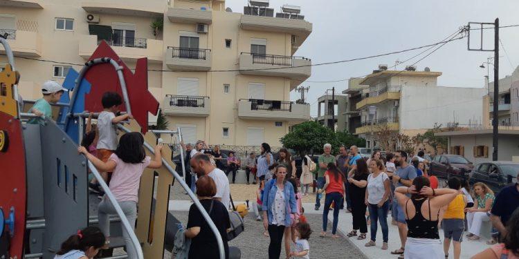 Εγκαινιάστηκαν δύο παιδικές χαρές στο Ηράκλειο