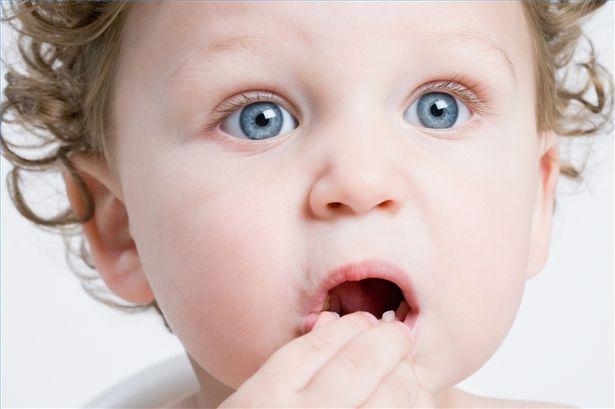 Σε σειρουργική επέμβαση υπεβλήθη μωρό που κατάπιε κέρμα!
