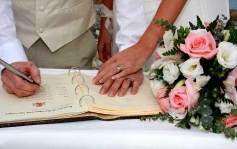 Τι αποφάσισε Δήμος της Κρήτης για τους πολιτικούς γάμους