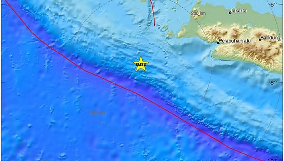 Ινδονησία: Τσουνάμι ύψους 3 μ. περιμένουν στην Ιάβα μετά τον σεισμό