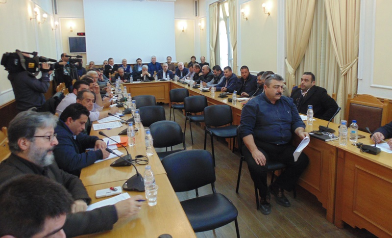 Ωρα... αποφάσεων μετά τη «βόμβα» με το πρόγραμμα δακοκτονίας- Εκτακτη συνεδρίαση στην Περιφέρεια Κρήτης