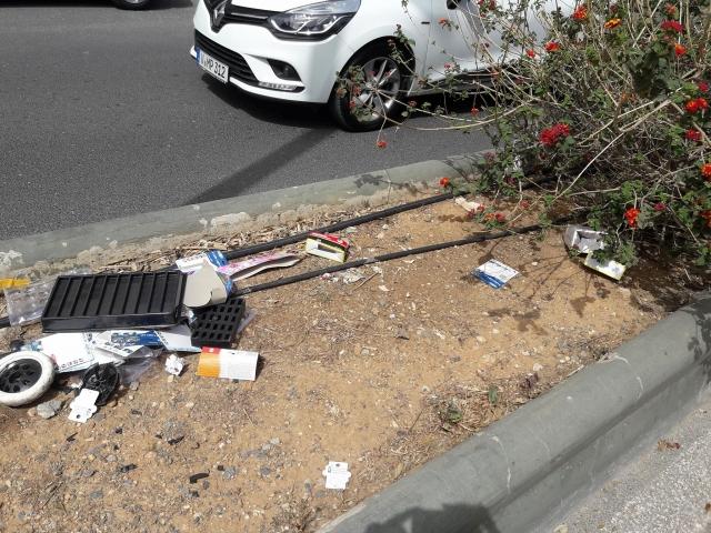Εικόνες ντροπής εξαιτίας σκουπιδιών στη λεωφόρο Κνωσού
