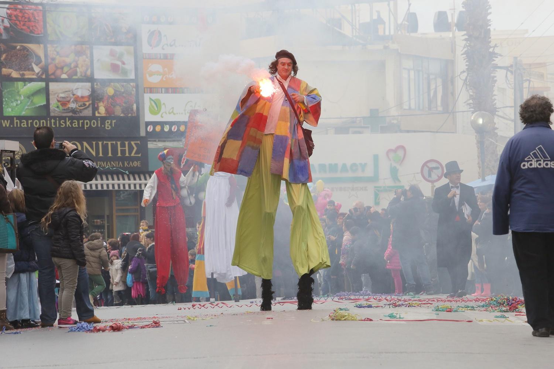Ερχεται η μεγάλη καρναβαλική παρέλαση και το...πάρτι στο κέντρο του Ηρακλείου