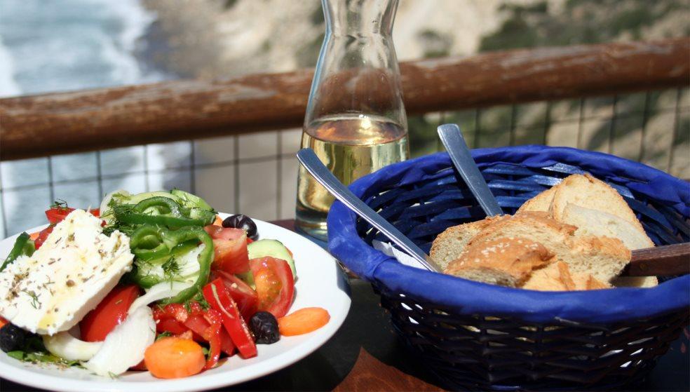 Τι θα γίνει με το φαγητό που μένει άθικτο σε κοινωνικές εκδηλώσεις;