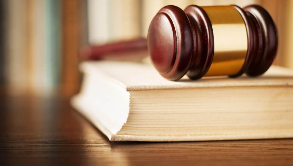 Δικαστικά «μπλεξίματα» για Κρητικιά, που έχασε τη μητέρα της, λόγω… γραφειοκρατίας