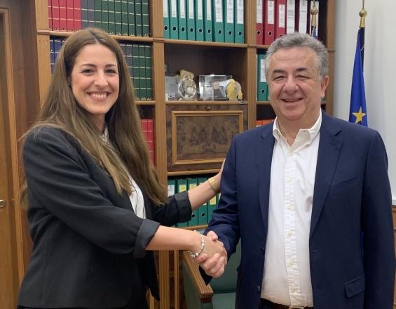 Η 27χρονη Δήμητρα Πρινάρη υποψήφια με τον Σταύρο Αρναουτάκη