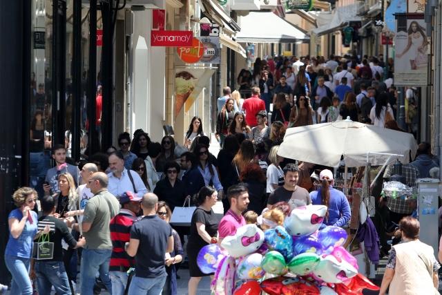 Ηράκλειο: Ανοικτά τα καταστήματα την Κυριακή εν μέσω των θερινών εκπτώσεων