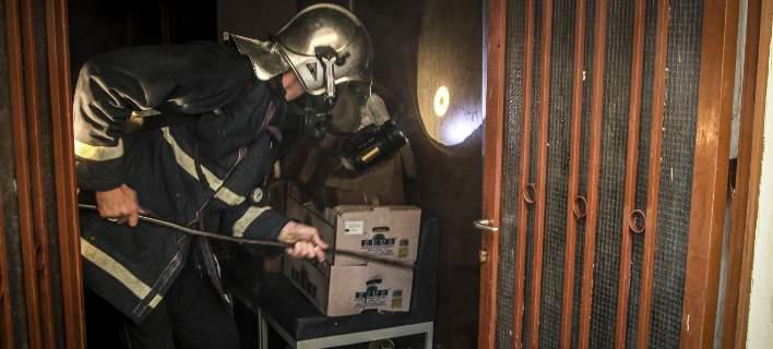 Φωτιά σε διαμέρισμα στην Κρήτη τα ξημερώματα- Αγνωστα τα αίτια