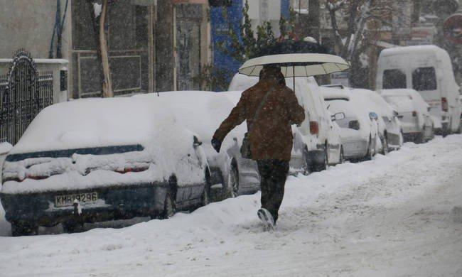 Χιόνια, καταιγίδες και θυελλώδεις άνεμοι φέρνει η «Υπατία»