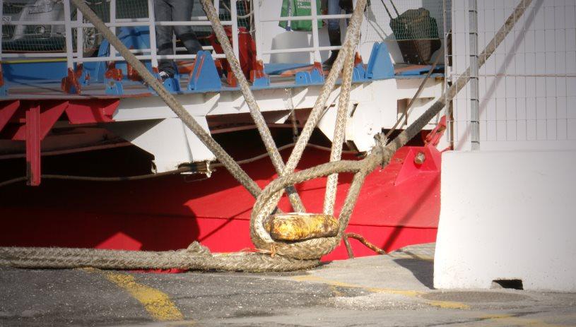 Δεμένα τα πλοία στα λιμάνια - Που ισχύει το απαγορευτικό