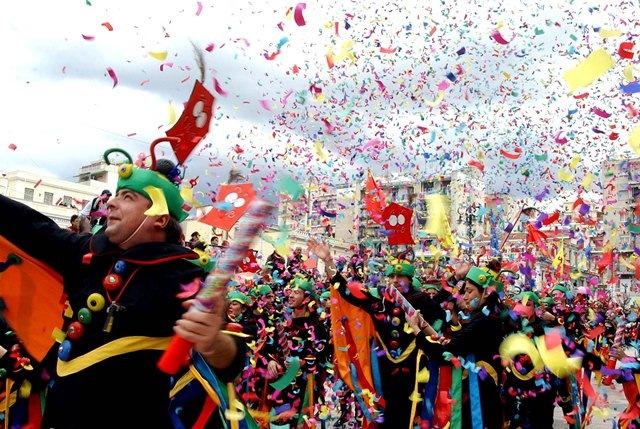 Η σειρά των αρμάτων στο Καστρινό Καρναβάλι 2013