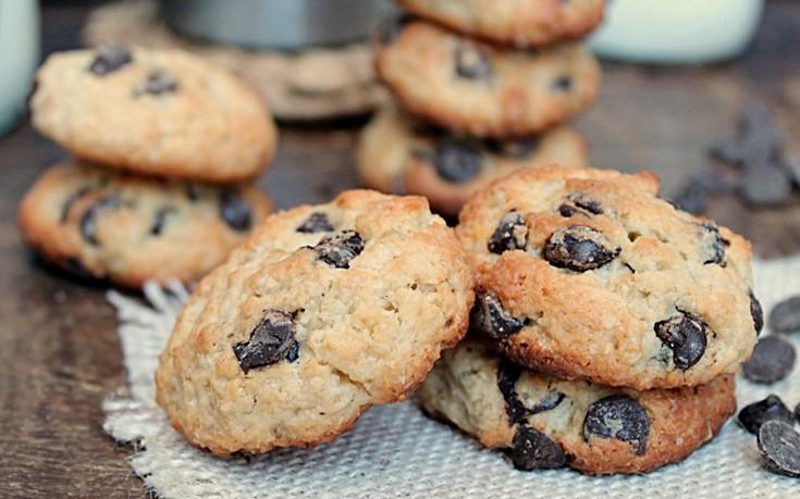 Μπισκότα σοκολάτας με γιαούρτι