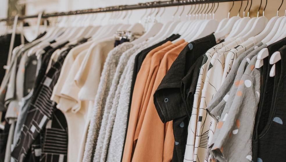 Φωτιά σε κατάστημα ρούχων στην Αμμουδάρα - Σοβαρές ζημιές