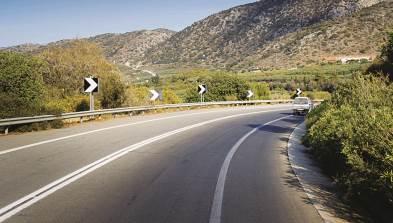 Αποκολλήθηκε τμήμα του λόφου στο δρόμο Αγίου Θωμά - Λαρανίου