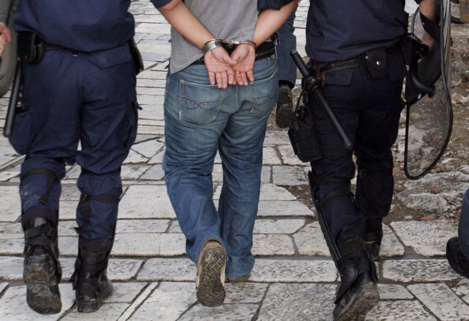Συνελήφθη ενας 54χρονος και κατασχέθηκαν πιστόλι, γεμιστήρας και φυσίγγια