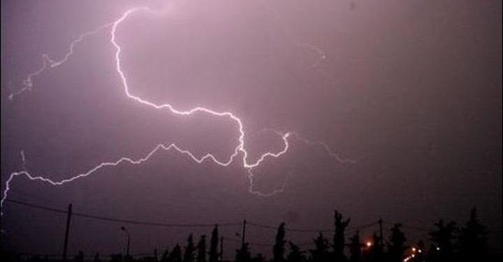 Σκοτείνιασε ο ουρανός – Ισχυρές καταιγίδες σε πολλές περιοχές της Κρήτης