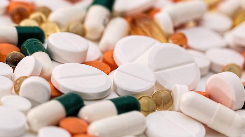 Μειώσεις στις τιμές σε 3.072 φάρμακα