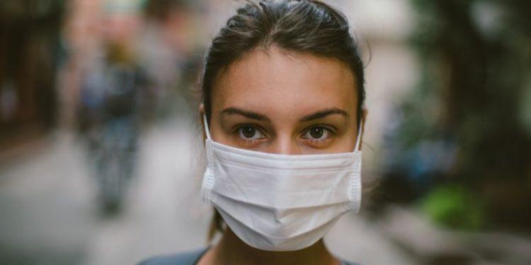 Πανάκριβες οι χειρουργικές μάσκες – Πόσο θα κοστίσουν σε μια τετραμελή οικογένεια
