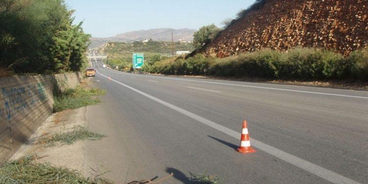 Χανιά: Κατεστραμμένες πινακίδες σήμανσης παγίδες για τους οδηγούς στον ΒΟΑΚ