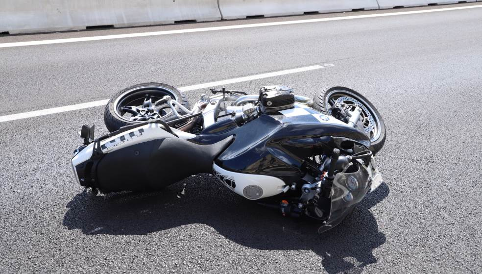 Τροχαίο με 25χρονο μοτοσυκλετιστή στην παραλιακή λεωφόρο - Μεταφέρθηκε στη ΜΕΘ