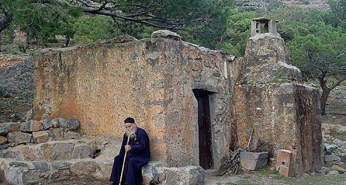 Αρχιερατικό Συλλείτουργο στην Ιερά Μονή Κουδουμά για τον Όσιο Κοσμά τον Ερημίτη